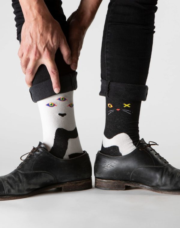 Lost_Sock_Cat_Dog_Wolf_Cat_Pair_Black_Meow_Wolf_2